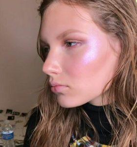 Լուսավորվող մաշկ դիմահարդարում