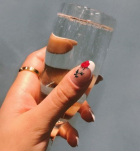 printed rose on the nail