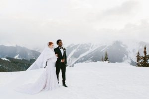 wedding couple at snowy weather